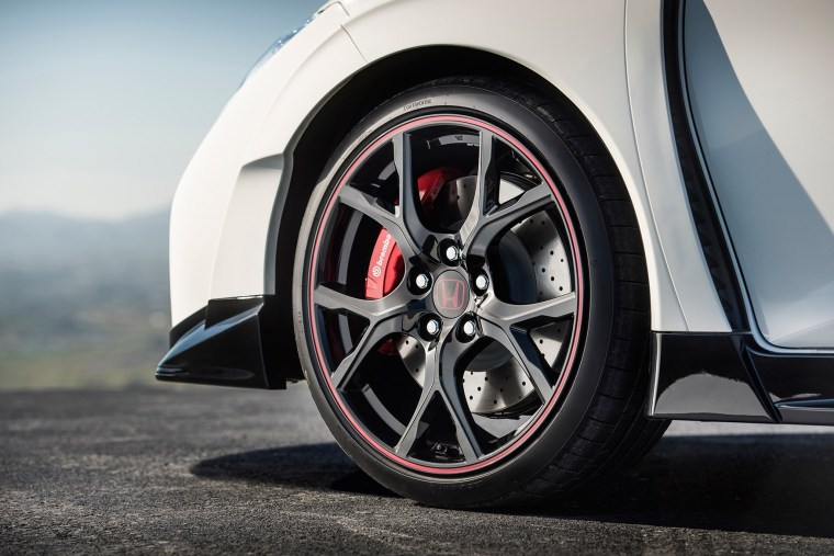 2015 Honda Civic Type-R equipped with a Brembo brake system as Original Equipment (OE).