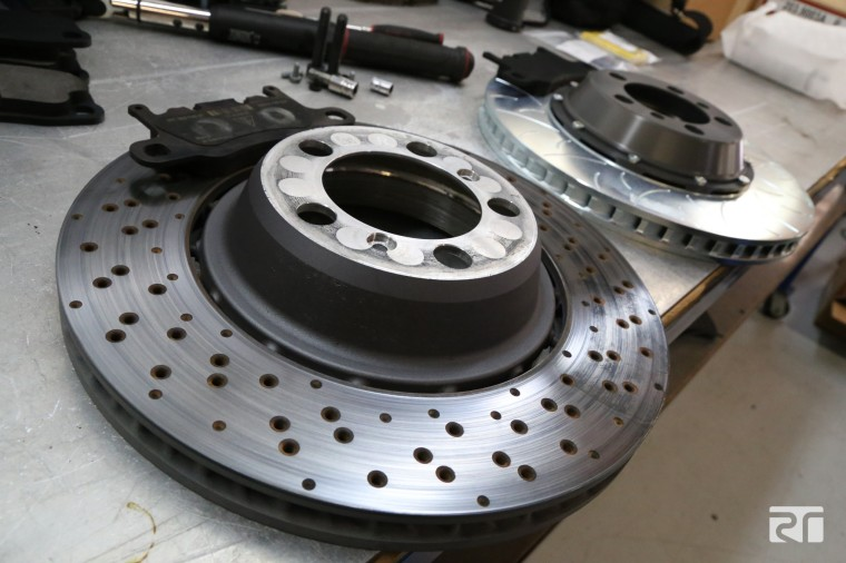 Porsche OE 991 GT3 rear discs vs Brembo performance Type III discs