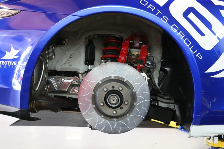 Brembo 380 x 30 Type III rear disc fitted.