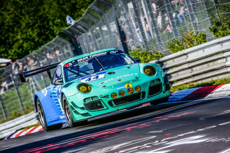 Falken 997 GT3R at 2015 Nurburgring 24 equipped with Type III Brembo discs. Photo Credit : Falken Motorsports