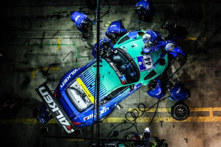 Falken Motorsport GT3-R with Brembo Type 3 discs. Photo Credit : Falken Motorsport