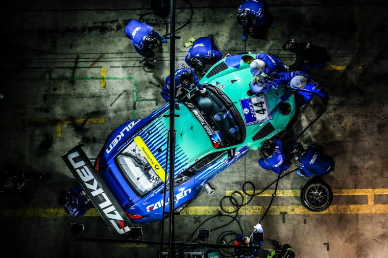 Falken Motorsport GT3-R with Brembo Type 3 discs. Photo Credit : Falken Motorsport