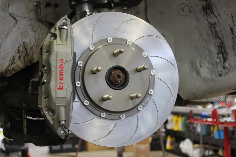Brembo Race system with Type V Discs. Photo: Lachute Performance.