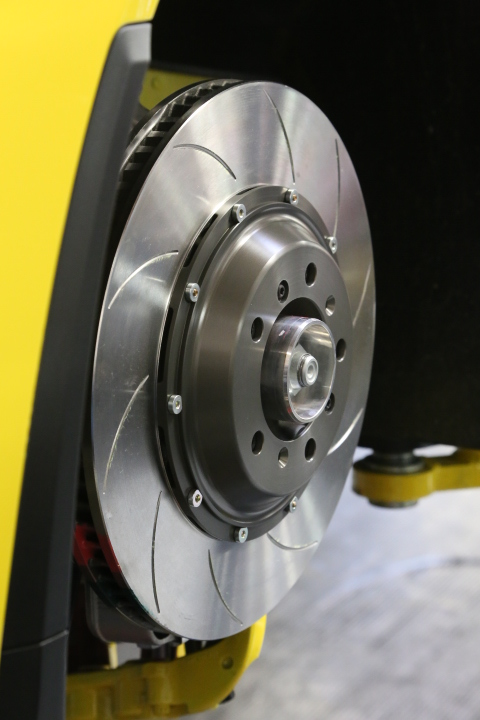 Brembo Performance Type 5 endurance discs used to maximize disc life on the track.