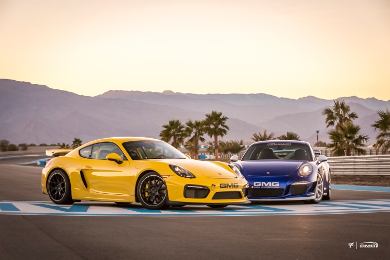 Porsche 981 Cayman GT4 vs Porsche 991 GT3. Photo: GMG Racing